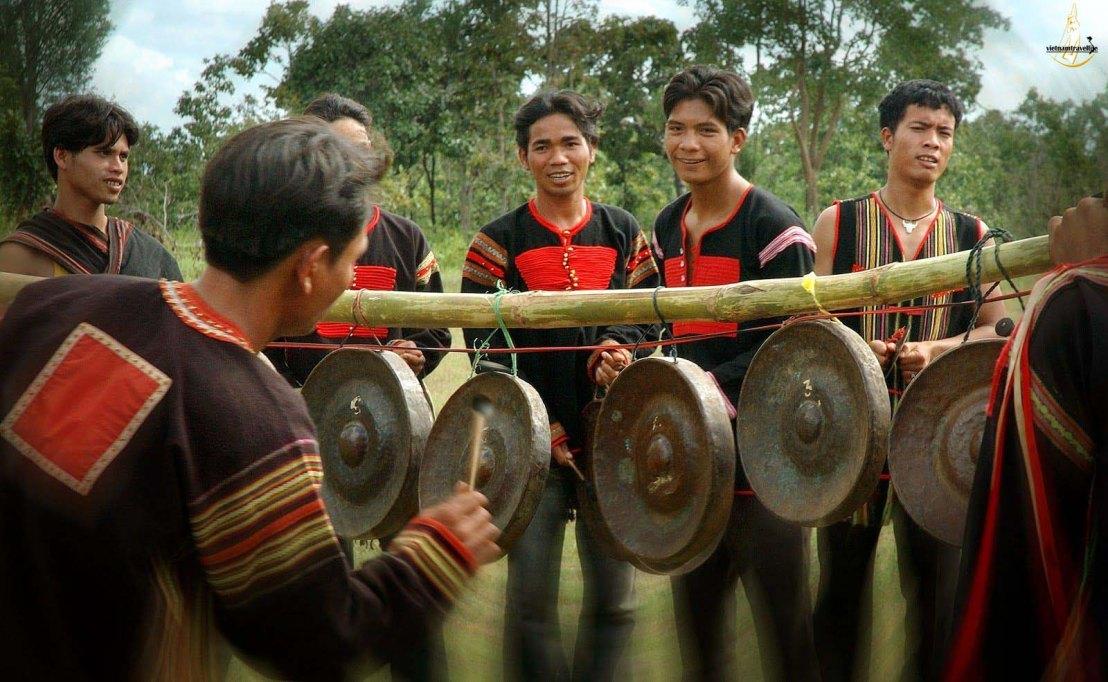 gongs 4.jpg
