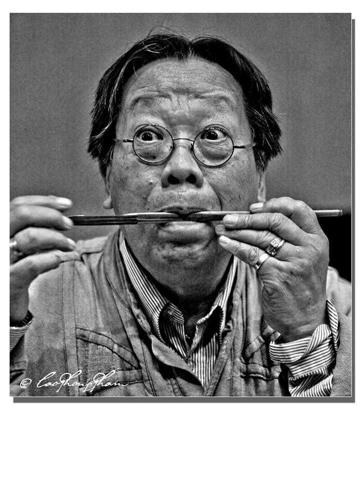 tran quang hai plays the bamboo jew's harp
